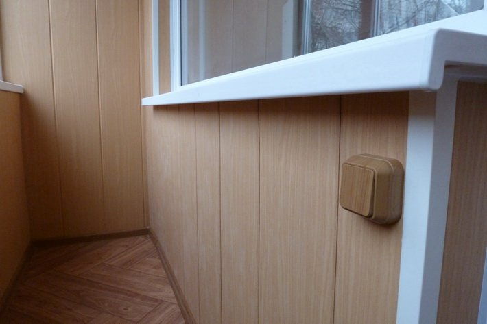 Как обшить балкон панелями пвх