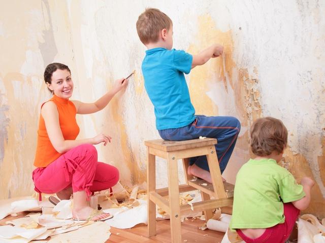 Как приготовить стены к поклейке обоев