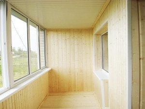 Как лучше отделать балкон