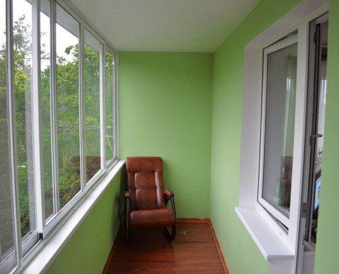 Чем лучше отделать балкон