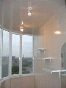 Чем отделать стенки на балконе